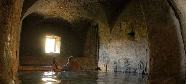 Hotel Bagni Vecchi: Piscina Calentada BORMIO - SONDRIO