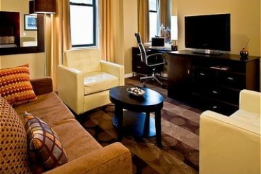 Hotel Holiday Inn Express And Suites Boston Garden: Suite BOSTON (MA)
