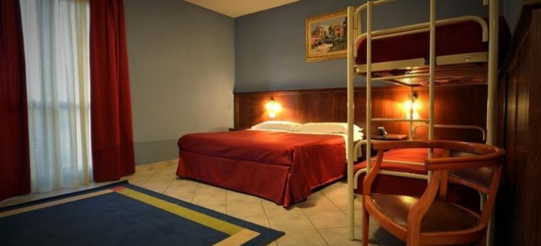 Hotel Oasis: Hall BRA - CUNEO