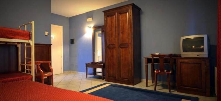 Hotel Oasis: Living Room BRA - CUNEO