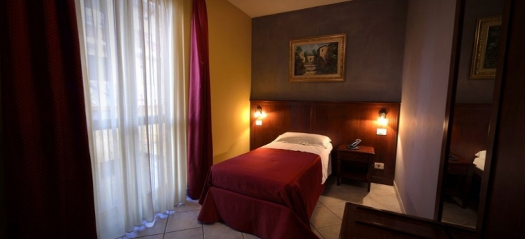 Hotel Oasis: Vista BRA - CUNEO