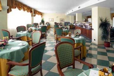 Hotel Cavalieri: Sala de Desayuno BRA - CUNEO