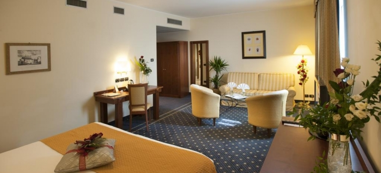 Hotel Cavalieri: Camera Matrimoniale/Doppia BRA - CUNEO