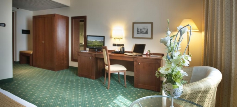 Hotel Cavalieri: Dettagli Strutturali BRA - CUNEO