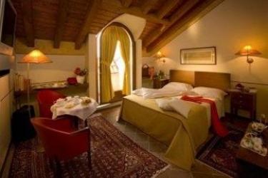 Hotel Dell' Agenzia: Camera Matrimoniale/Doppia BRA - CUNEO