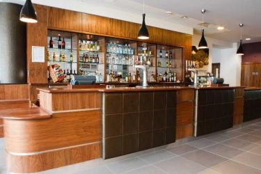 Hotel Jurys Inn Bradford: Bar BRADFORD
