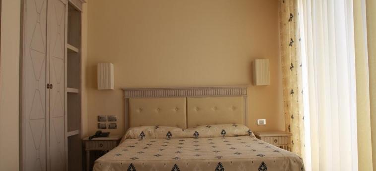 Villaggio Club Altalia Hotel & Residence: Chambre Double BRANCALEONE - REGGIO CALABRIA