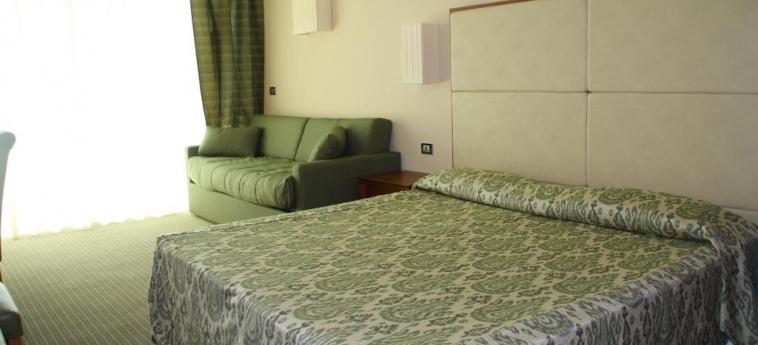 Villaggio Club Altalia Hotel & Residence: Chambre BRANCALEONE - REGGIO CALABRIA
