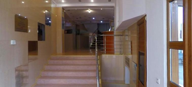 Hotel Apollonia: Eingang BRASOV