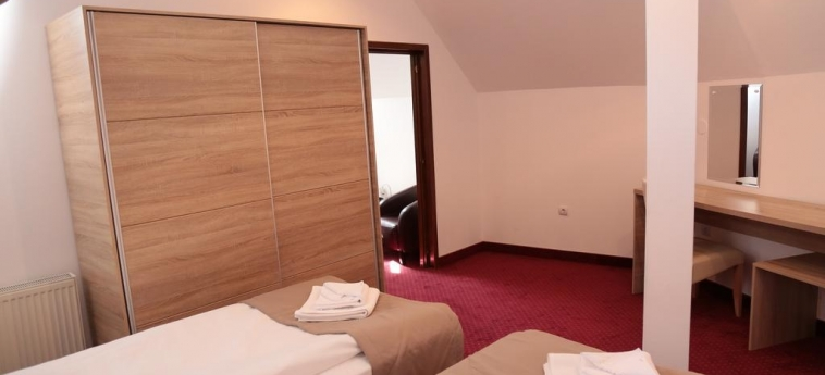 Hotel Apollonia: Gästezimmer BRASOV