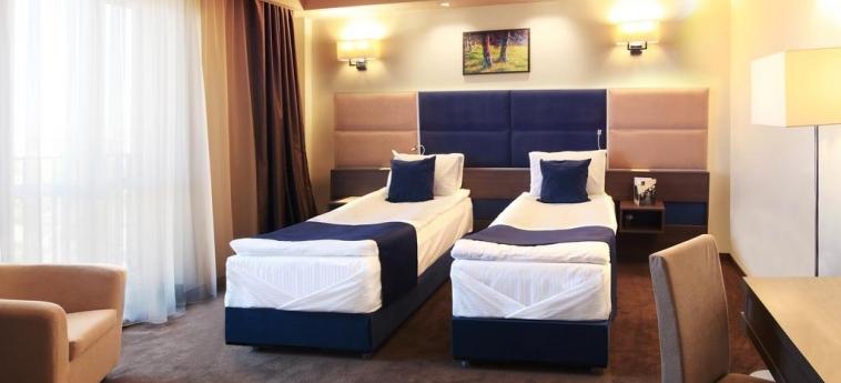 Hotel Belfort : Chambre jumeau BRASOV