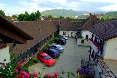 Hotel Pensiunea Luiza: Parking BRASOV