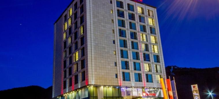 Hotel Ramada Brasov: Facade BRASOV