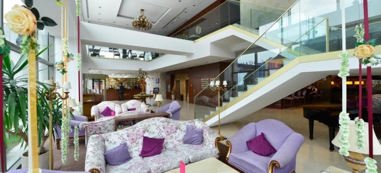 Hotel Ramada Brasov: Lobby Lounge BRASOV
