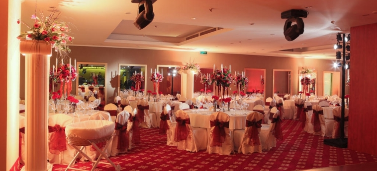 Hotel Ramada Brasov: Salle de Banquet BRASOV