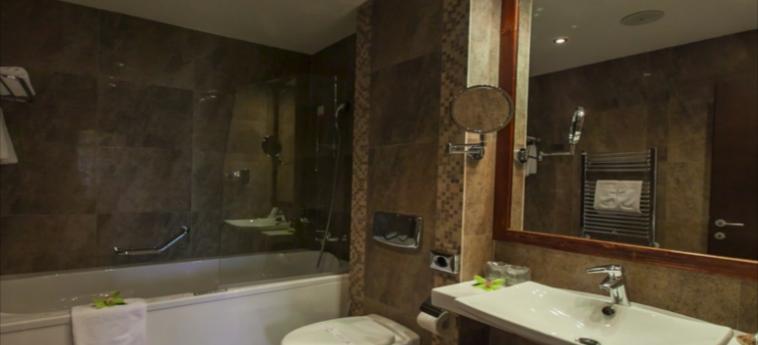 Hotel Alpin Resort: Salle de Bains BRASOV