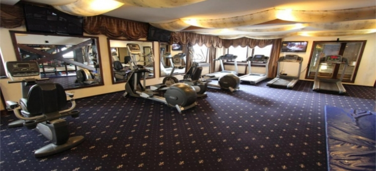 Hotel Alpin Resort: Salle de Gym BRASOV