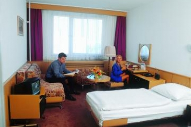 Hotel Bratislava : Bedroom BRATISLAVA