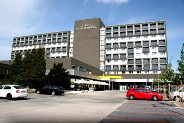 Hotel Bratislava : Exterior BRATISLAVA