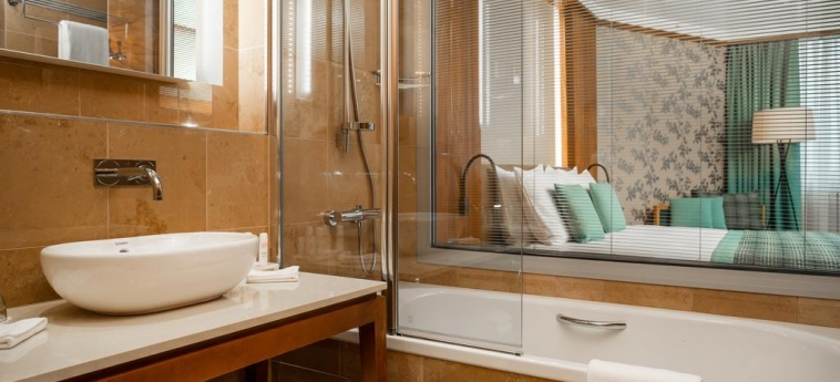 Hotel Radisson Blu M'Bamou Palace: Bathroom BRAZZAVILLE