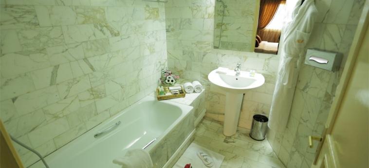 Hotel Marina Residence: Bathroom BRAZZAVILLE