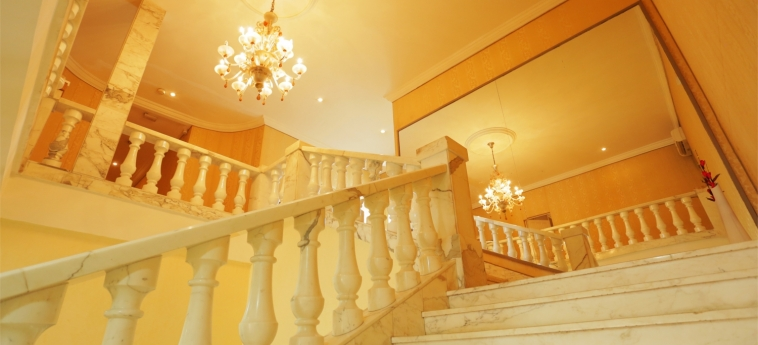 Hotel Marina Residence: Staircase BRAZZAVILLE