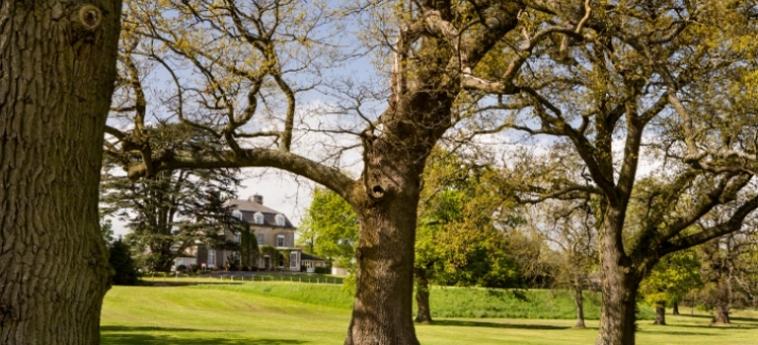 Mercure Bristol North The Grange Hotel: Garden BRISTOL