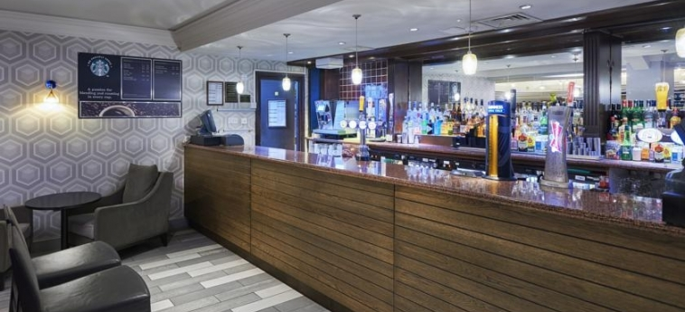 Doubletree By Hilton Hotel Bristol North: Indoor Bar BRISTOL