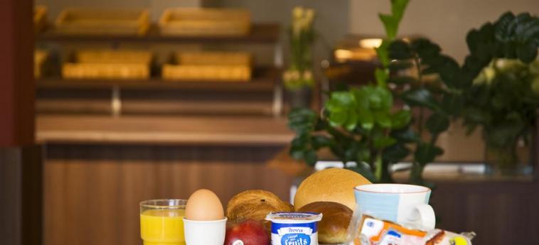 Hotel Ibis Brugge Centrum: Petit Déjeuner BRUGES