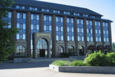 Tangla Hotel Brussels: Außen BRUSSEL