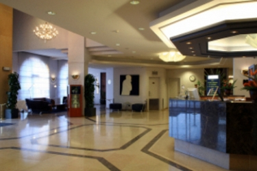 Tangla Hotel Brussels: Empfang BRUSSEL