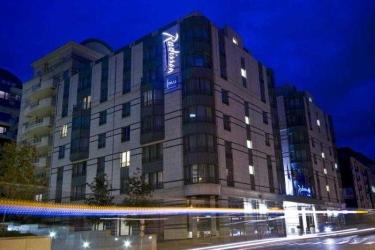 Hotel Radisson Red Brussels: Esterno BRUXELLES
