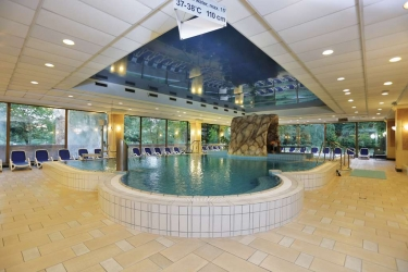 Danubius Grand Hotel Margitsziget: Swimming Pool BUDAPEST