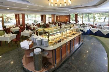 Hotel Danubius Health Spa Resort Margitsziget: Restaurante BUDAPEST