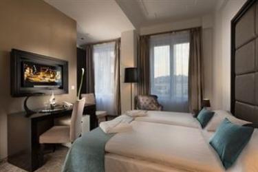 Arcadia Hotel Budapest: Garden BUDAPEST