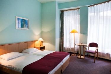 Hotel Pilvax: Exterior BUDAPEST