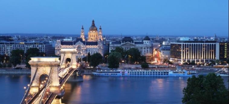 Hotel Sofitel Budapest Chain Bridge: Entorno BUDAPEST