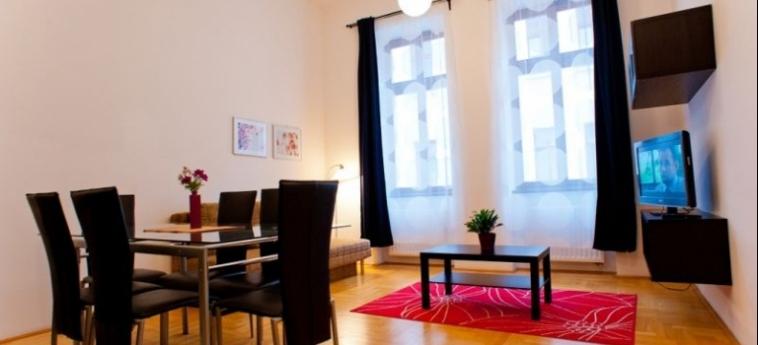 Mango Aparthotel And Spa: Dining Area BUDAPEST