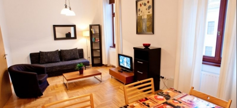 Mango Aparthotel And Spa: Living Room BUDAPEST