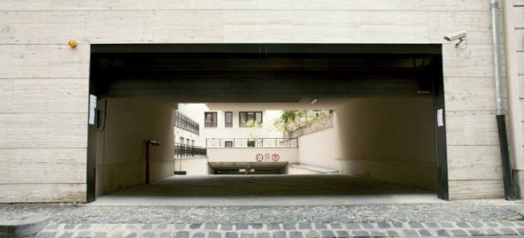 Mango Aparthotel And Spa: Parking BUDAPEST