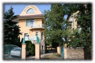 Villa Hotel Kristal: Esterno BUDAPEST