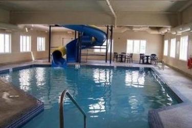Hotel Staybridge Suites Calgary Airport: Indoor Swimmingpool CALGARY