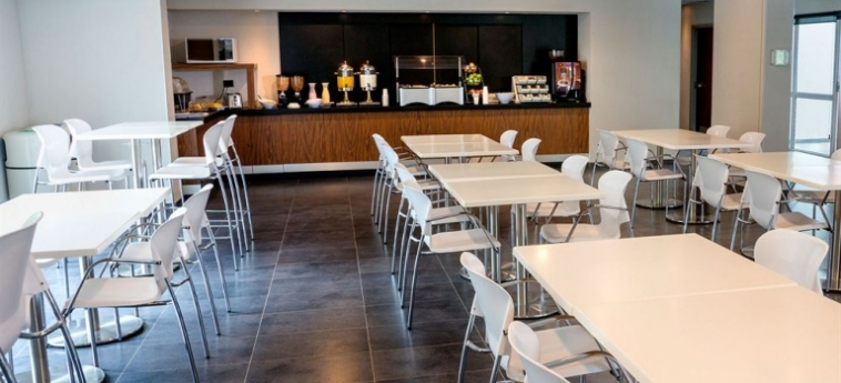 Hotel City Express Plus Cali: Sala de Desayuno CALI