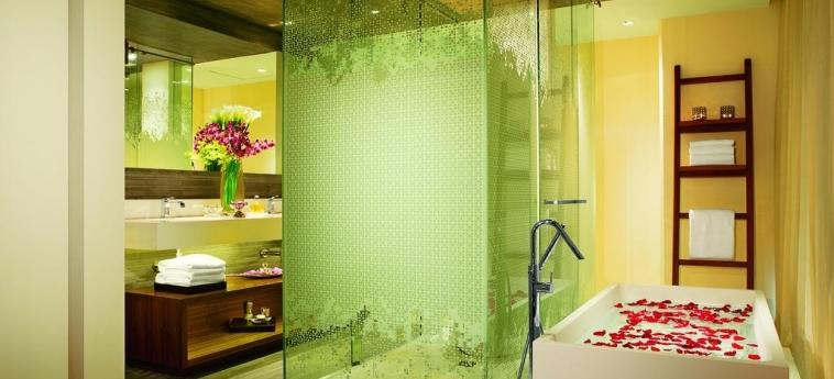 Hotel Secrets The Vine Cancun: Bathroom CANCUN