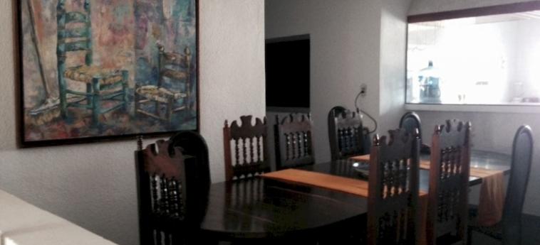 Hotel The Wine Bed & Breakfast: Soggiorno E Angolo Cottura CANCUN