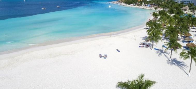 Hotel Beachscape Cancun Kin Ha Villas & Suites: Beach CANCUN