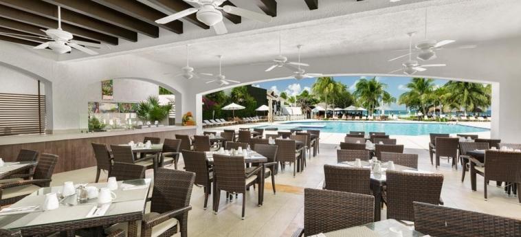Hotel Beachscape Cancun Kin Ha Villas & Suites: Outdoor Restaurant CANCUN