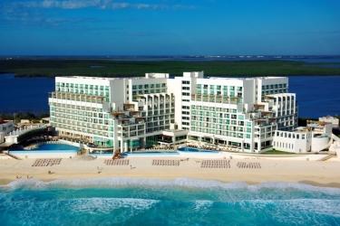 Hotel Sun Palace: Außen CANCUN