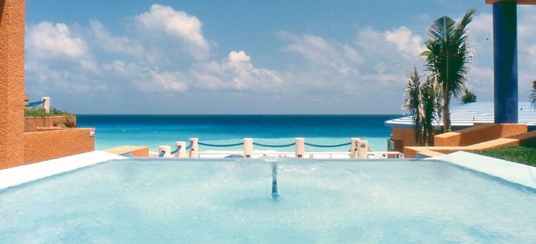 Hotel Occidental Tucancún: Vue CANCUN