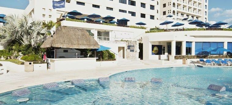 Hotel Occidental Tucancún: Außen CANCUN
